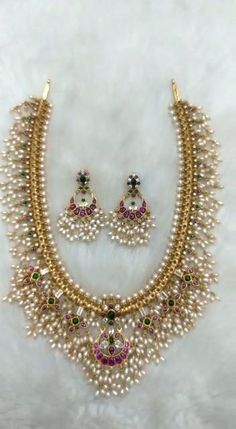 Indian Bridal Jewelry Sets, Silver Wedding Jewelry, Silver Jewellery Indian, Gold Jewelry, Wire Jewelry, Antique Jewellery Designs, Fancy Jewellery, Gold Jewellery Design, Designer Jewellery
