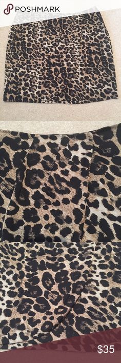 🎉HP 🐾Vince Camuto Gorgeous Satin Animal Print Condition: Excellent, like new. Vince Camuto Skirts
