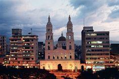 catedral de la sagrada familia bucaramanga, colombia   Bucaramanga, Ciudad Bonita, destino turístico en Santander
