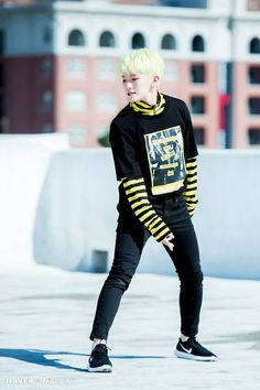 Woozi looks like a bumble bee, no joke