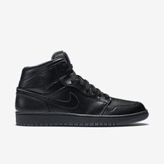 c562da935c47c8 Air Jordan 1 Mid Men s Shoe