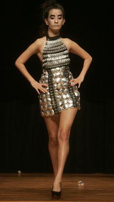 Trashion Show In Hong Kong Recycled Costumes, Recycled Dress, Diy Fashion, Fashion Show, Fashion Design, Diy Mode, Recycled Fashion, Future Fashion, Ethical Fashion
