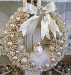 Festão de prata, pérola guirlanda, e tule.   http://tammyssweetheart.blogspot.com.br/          vintagerosegarden.tumblr.com      Pegue...
