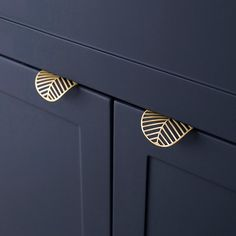 Leaf shape /brass Door knob European Antique Furniture Handles Drawer Pulls Kitchen Cabinet gold Knobs and Handles-in Cabinet Pulls from Home Improvement on AliExpress Kitchen Drawer Pulls, Drawer Pulls And Knobs, Knobs And Handles, Door Pulls, Brass Handles, Drawer Handles, Kitchen Cabinet Handles, Kitchen Cabinets Door Knobs, Modern Door Handles