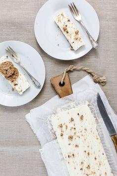 Käsekuchen Tarte mit Rhabarber und Keksboden