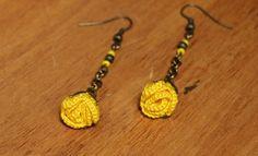 """Boucles d'oreilles au crochet - Collection """"Pétunia"""" - coton jaune - perles - métal bronze : Boucles d'oreille par pepee-fantaisies"""