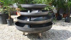 Ideaal om sfeer te brengen op uw tuinfeesten zijn de vuurschalen van Duverger Home. Je vind ze hier: http://www.duvergerhome.be/search/vuur/