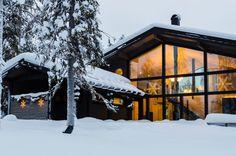 Ski cabin with huge panorama windows in Ruka, Kuusamo, Finland. Chalet Design, Black Exterior, Log Homes, Finland, Custom Homes, Ramen, Building A House, Villa, House Styles