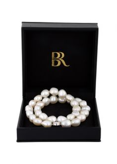 Freshwater pearl necklace white and baroque shape Freshwater Pearl Necklaces, Summer 2014, Baroque, Fresh Water, Shapes, Magazine, Pearls, History, Luxury