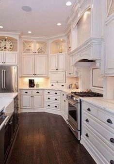 Uplifting Kitchen Remodeling Choosing Your New Kitchen Cabinets Ideas. Delightful Kitchen Remodeling Choosing Your New Kitchen Cabinets Ideas. Farmhouse Kitchen Cabinets, Kitchen Cabinet Design, Knobs For Kitchen Cabinets, Kitchens With White Cabinets, White Appliances, Farmhouse Sinks, Farmhouse Kitchens, Bathroom Cabinets, Küchen Design