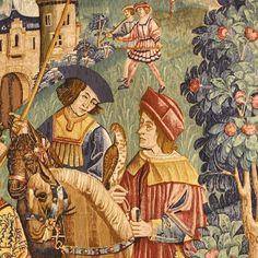 """Arazzo De Rambouillet 145 x 158 5""""Départ pour la chasse liseré"""" Riproduzione policroma, Ateliers de bords de Loire, XVI sec., Museo di Cluny, Parigi. Per dimenticare la guerra dei Cento Anni e le sue tribolazioni, i nobili dell'epoca tendevano a creare nei loro castelli e palazzi un'atmosfera piacevole e raffinata, anche con l'impiego di arazzi nelle loro grandi stanze."""