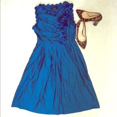 ⚡24HR Sale! Robert Rodriguez Silk Taffeta Dress Perfect for weddings! Jewel tone taffeta with deconstructed rosettes.  Measurements: Length - 35 inches, Bust - 18 inches across. Condition: Pre-owned. There are a few small discolorations in the fabric (look like water spots and may come out with drycleaning). I've tried to capture them in the last photo. There are some of these spots on the back of the dress on the top left side and bottom left side, and a few faint ones sprinkled on front…