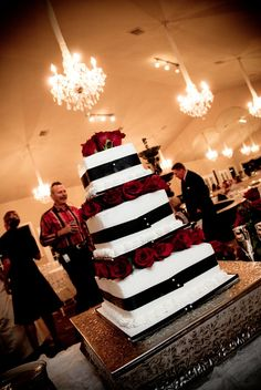 This wedding cake is to die for!