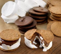Now THAT'S a s'more! Looks delish.