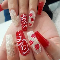 In search for some nail designs and ideas for your nails? Here is our listing of must-try coffin acrylic nails for stylish women. Heart Nail Designs, Valentine's Day Nail Designs, Nail Swag, Bailarina Nails, Nail Art Saint-valentin, Ongles Bling Bling, Summery Nails, Nagel Bling, Valentine Nail Art