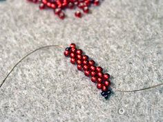 Tutorial- Russian Leaf- listek z koralików Beading Projects, Beading Tutorials, Magnolia Leaves, Peyote Stitch, Seed Beads, Diy And Crafts, Projects To Try, Weaving, Bracelets
