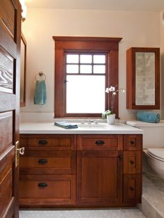 21 Stunning Craftsman Bathroom Design Ideas - I love this vanity. I could see this working in our home with basket weave floor tile. Craftsman Style Bathrooms, Bungalow Bathroom, Craftsman Interior, Craftsman Kitchen, Craftsman Style Homes, Craftsman Bungalows, Craftsman Remodel, Craftsman Houses, White Bathroom Cabinets