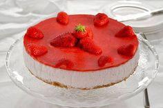Ecco a voi la ricetta della cheesecake alla fragole senza cottura, un dolce classico e invitante, perfetto per un finepasto goloso.