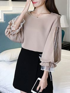 Round Neck Patchwork See Through Plain Puff Sleeve Blouses - Blouse designs Blouse Styles, Blouse Designs, Hijab Fashion, Fashion Dresses, Style Fashion, Fashion Boots, Womens Fashion, Mode Outfits, Skirt Outfits