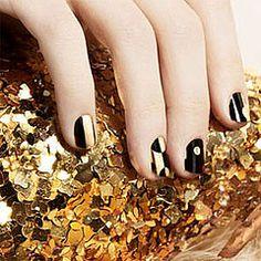 black & gold tags, mirrors, nail polish, gold nails, clutches, black gold, blog, glitter, bright colors