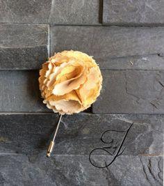 Flower lapel flower/pin