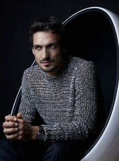 Thanks god, for the existence of this man. German National Team, Mats Hummels, Germany Football, Fc Bayern Munich, Mr Perfect, Soccer Stars, Football Players, Sexy Men, Diamonds