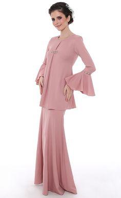 Khayalan Cinta Modern Kurung in Dusty Pink | FashionValet
