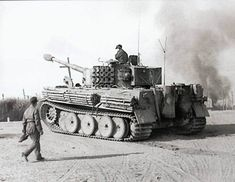 Command Tiger I Mid Production, Commanded by Lieutenant Wolfgang Koltermann of bar / s.Pz.Abt.507