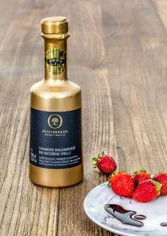 Oliviers&Co Traditional Aged Gold Balsamic Vinegar - Modena Italy 8.4 fl.oz (250 ml) Balsamic Vinegar Of Modena, Aged Balsamic Vinegar, Olives, Caramel, Modena Italy, Organic Fruit, Raisin, Gourmet Recipes, Traditional