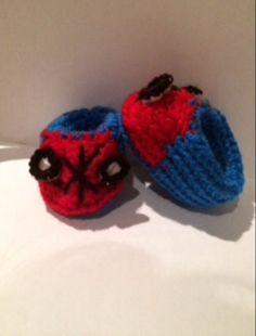 Un favorito personal de mi tienda Etsy https://www.etsy.com/ie/listing/243997648/spiderman-baby-boots-crochet-and