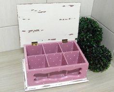 Caixa de chá 6 divisões em mdf com pintura e decoupage.  Fazemos em outras cores e modelos. Peças integrantes estão sujeitas à disponibilidade. Como é um produto artesanal, podem haver pequenas diferenças entre uma produção e outra.