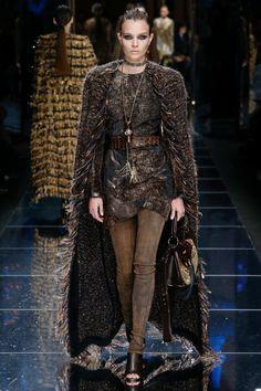 Balmain Fall 2017 Ready-to-Wear Fashion Show - Josephine Skriver (IMG)
