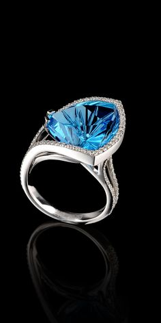 ❤ Master Exclusive Ring 7545 -  Collection: Solo. 18K white gold, topaz 12,83 ct, diamonds.
