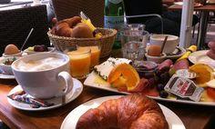 Ein gedeckter Frühstückstisch; Quelle: bremen.online