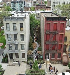 landscape-a-design:  The New York Restoration Project - transform an alley where people can interact with nature.