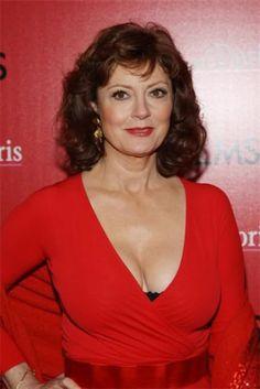 Voluptuous Susan Surandon in a low cut red top