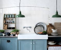 big sink and warehouse pendants
