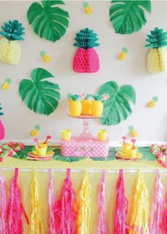Luau Theme Party, Hawaiian Party Decorations, Fruit Party, Birthday Party Decorations, Birthday Parties, Fruit Birthday, Flamingo Birthday, Flamenco Party, Cadeau Baby Shower