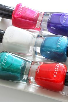 Zoya Paradise Sun Swatches and Giveaway #nailpolish #manicure #everydayzoya