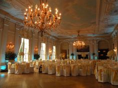 Yellow is the color of the sun. Having yellow linens helped created a warm and sunshine feeling throughout the room!