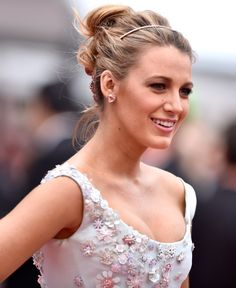 "CANNES, FRANCE - MAY 13:  Actress Blake Lively attends the ""Slack Bay (Ma Loute)"" premiere during the 69th annual Cannes Film Festival at the Palais des Festivals on May 13, 2016 in Cannes, France.  (Photo by Pascal Le Segretain/Getty Images)"