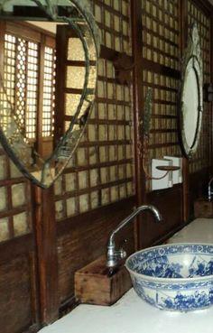. Asian Interior Design, Interior Ideas, Rustic Houses, Old Houses, Filipino, Philippine Architecture, Philippine Houses, Family Rules, Asian Style