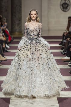 Highlights from Paris Haute Couture Fashion Week Fashion Week, Runway Fashion, Fashion Show, Fashion Outfits, Style Couture, Haute Couture Fashion, Trendy Outfits, Fall Outfits, Fall Wedding Dresses