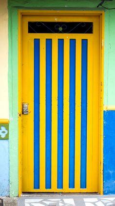 Guatapé, Antioquia, Colombia Old Doors, Windows And Doors, Fonda Paisa, Doors Galore, The Doors Of Perception, Door Entryway, Door Detail, Door Gate, Unique Doors