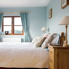Blue simple country-style bedroom