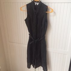 Zara Dark Linen Belted Dress Really nice, light linen material / dark navy color / tie belt at the waist / Beautiful ruffle detail / no longer sold by Zara / only worn a couple times! Can't model because it doesn't fit me anymore/ Feel free to make an offer or ask any questions! Zara Dresses