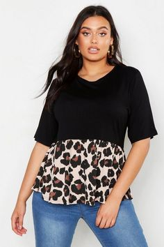 Buy Boohoo Curve Contrast Leopard Smock Top from the Next UK online shop Pop Fashion, Fashion Outfits, Womens Fashion, Fashion Black, Fall Fashion, Plus Size Fashion For Women, Plus Size Women, Plus Size Blouses, Plus Size Tops