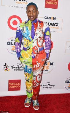 Going bold: Singer Todrick Hall dazzled in a bright suit, blue hair and spiked sneakers Todrick Hall, Jessica Biel, Justin Timberlake, Blue Hair, New Moms, Youtubers, Costumes, Costume Ideas, Night Out