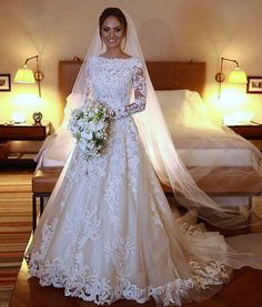 Different Styles Of Wedding Dresses. There are several designs of bridal gown, practically as many styles of wedding dresses as there are shapes of women. Wedding Dress Sleeves, Long Sleeve Wedding, Modest Wedding Dresses, Bridal Dresses, Dress Lace, Bridesmaid Dresses, Perfect Wedding Dress, Elegant Wedding, Wedding Dress With Veil