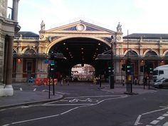 Smithfield Market Smithfield has been home to its famous meat market since the 10th century – and is still operational. Now home to markets of every type – and lots of cafes – it's a great place to potter and while away a few hours of time wondering around the stalls.